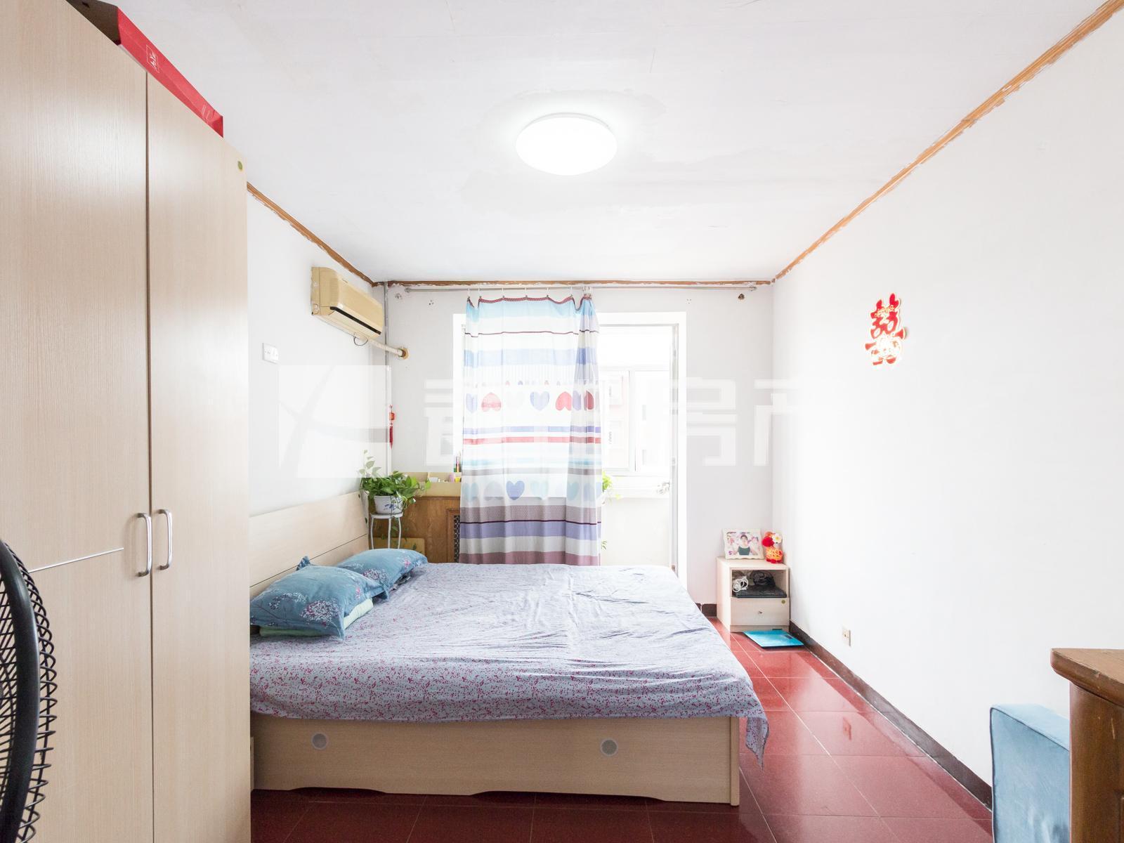 东馨园+南向+大一居+明厨明卫+双阳台+明厅带东向窗户+位置好