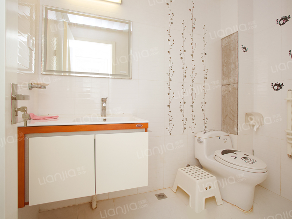 为你而选 可改成小两居、接受换房周期、诚意出售、中间位置