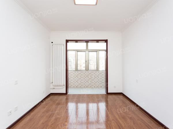 为你而选为你为家 成熟小区 板楼三居室 中间楼层 视野好