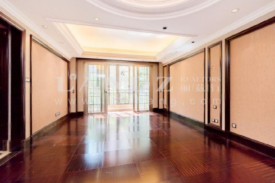 江湖告急+带花园55平+双卧室夹客厅南向+南北东三面采光