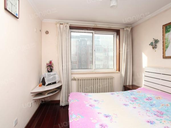 为你而选 站前巴黎小区南北双通透双卫两居,客厅带5.5平米阳台
