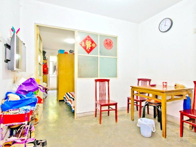 永泰东里 南北低楼层两居室 387万可以签约 可给周期
