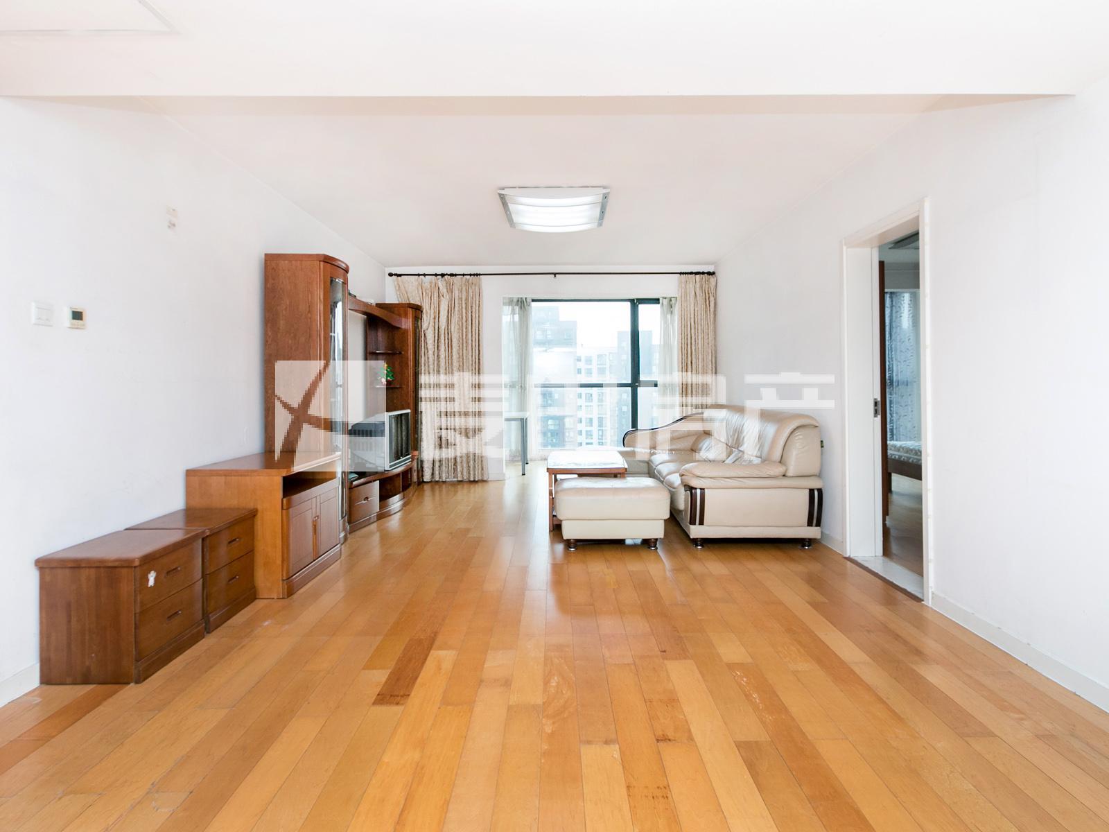 望京澳洲康都,南北通透三居室,出价1080万以上可面聊