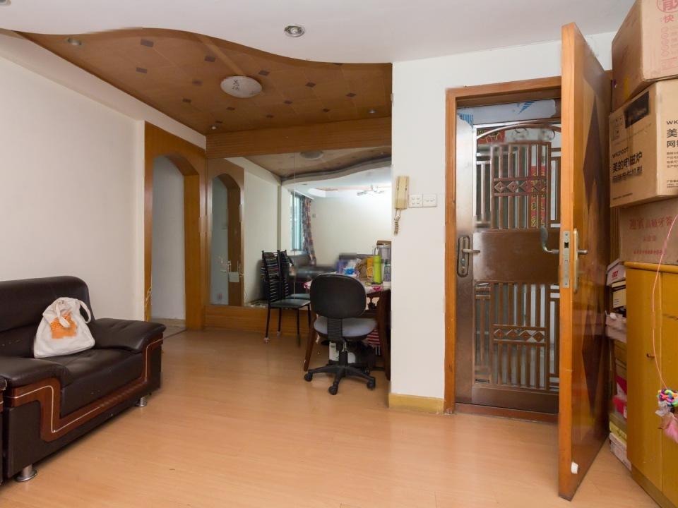 棠德花园 东区居家两室 近地铁 位置安静 看房方便
