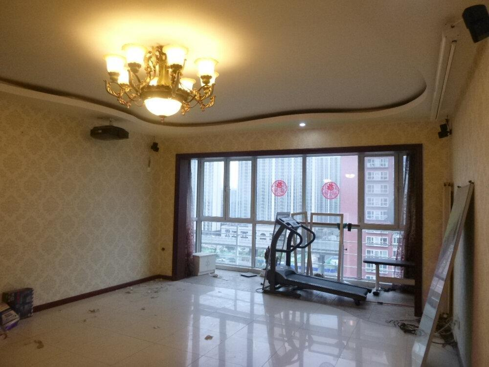 金海国际 163平米南北通透三居室单价4.2万 拍卖