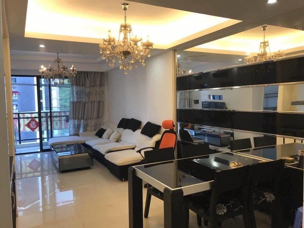 市区迎宾路+卓达巴哈马三期+小三房+户型通透+ 装修+采光