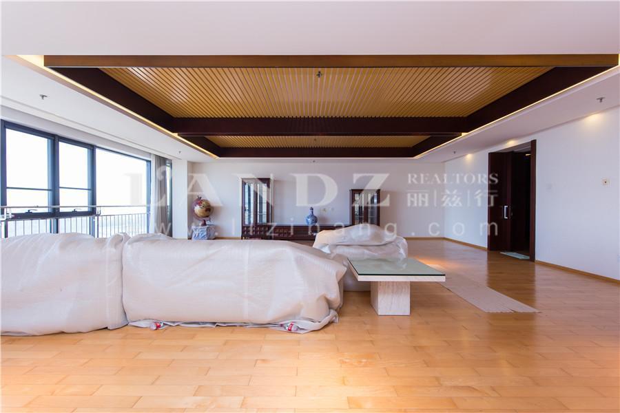 新出大三居+高层观玉渊潭大湖+落地窗阳台+客厅餐厅共100平