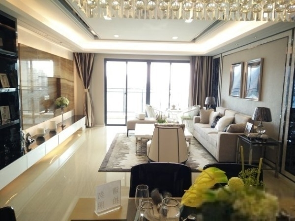 淘金家园 电梯高层 超大全新装修三房 小区管理 业主换房诚售