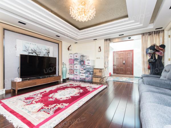为你而选 润雪园精装别墅直接入住 室内带电梯 双车库 南花园