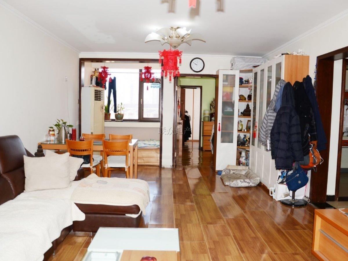 《 拥金》1.2莲香园东南两居 五年一套住房 可随时签约
