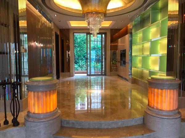 星河湾 4房2厅 950万 毗邻地铁 大型成熟小区