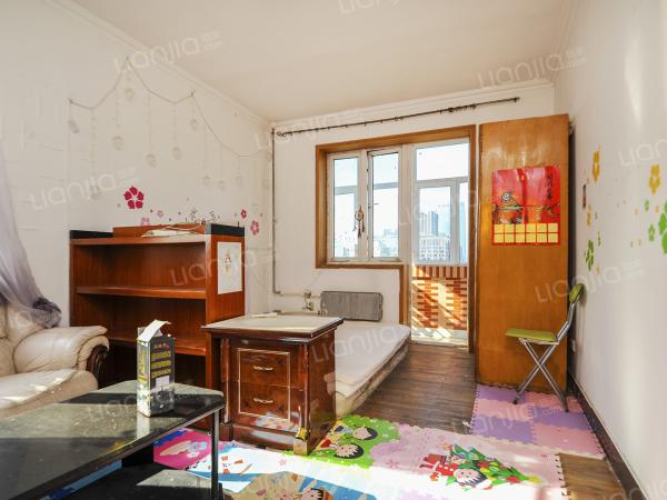 为你而选 满五年公房 楼层高三居室  业主在京