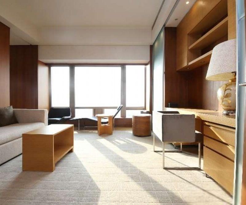 东三环 银泰 高层景观两居 保养好 诚意出售 同看梵悦108