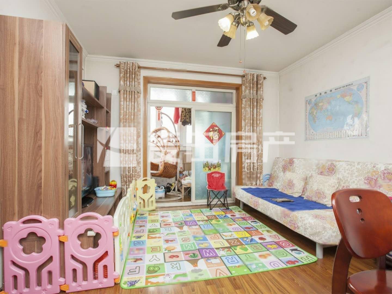 地铁5号线宋家庄150米,商品房,婚房保养好,有租约车位,改两居