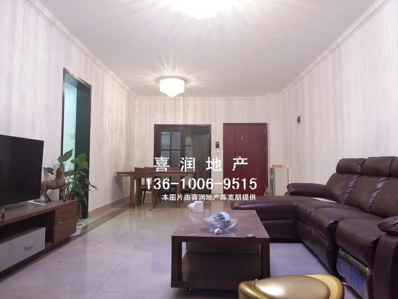 海龙湾 超笋120方3房  电梯中层 新装修