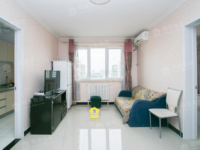 新推优选 2012年房 百万庄大街21号院一室一厅空房有钥匙610万