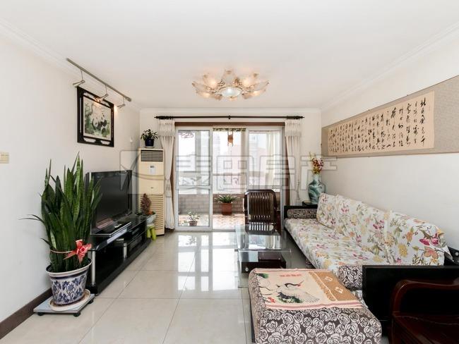 望京花园,04号位三居室,东南,楼上也有950瓦在售,中高层