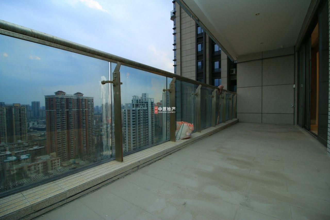 富力东山新天地 南北对流平层大五房 楼龄新业主诚售