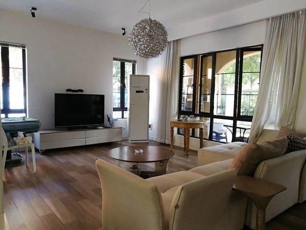 美林湖国际 棕榈湾双拼别墅  修,4室3厅3卫 带家具