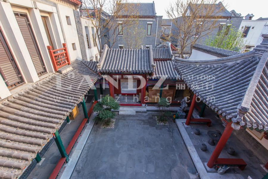 中式精装修  900万 庭院300平 L围合布局 同看中粮瑞府