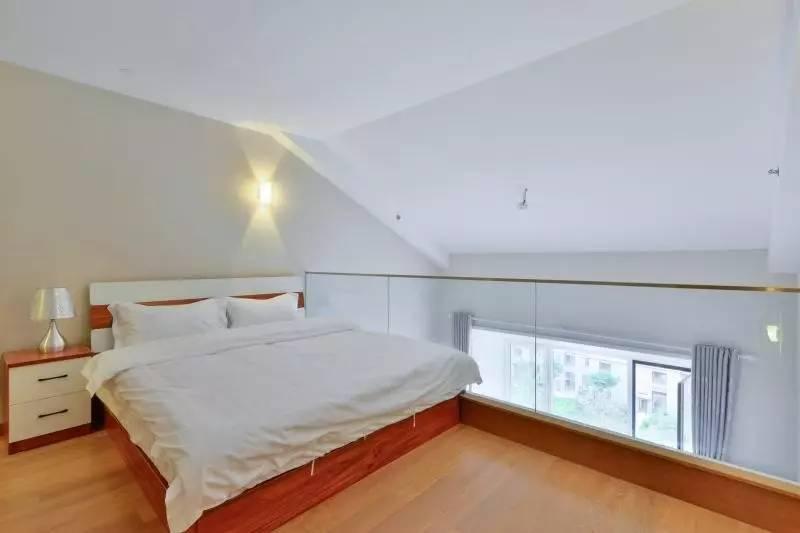 朝北80区顶层复式出售 价格优惠本房照片 业主诚意出售随时看