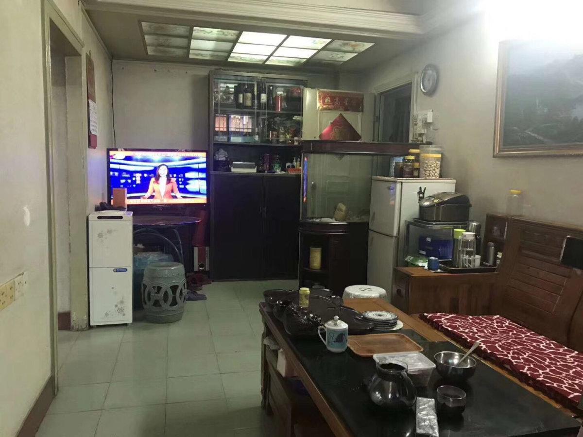 云苑新村 业主诚心出售 两房一厅 125万 省级学位房