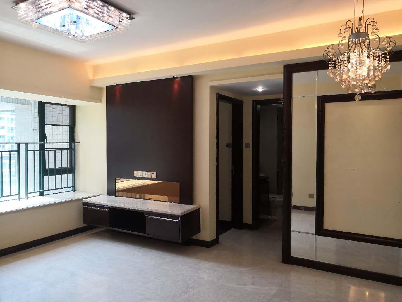 雅居乐旁使用权房出售,房东诚意急售75.5平,285万!!