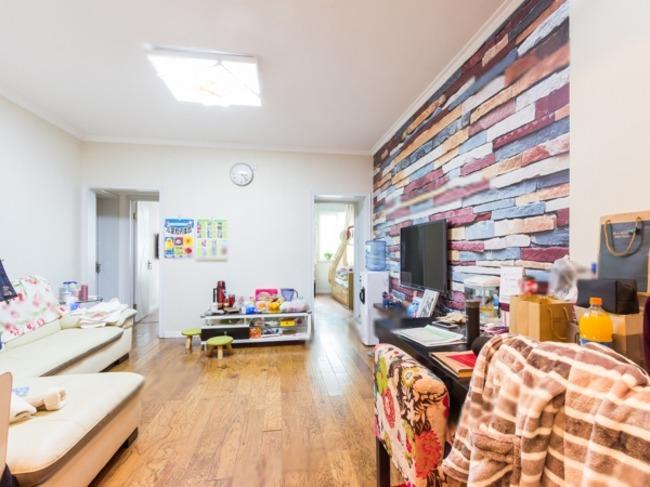 果园西小区朝南的两居室,精美装修,采光很好,紧邻地铁果园站