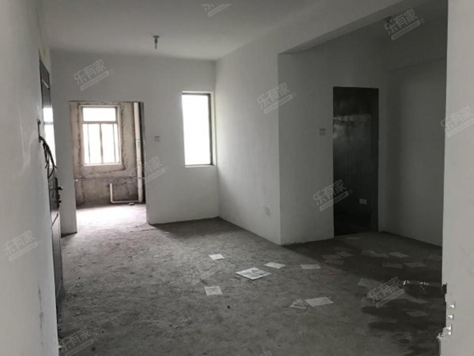 大运家园,3室南向,毛坯房真实房源,看房方便非诚勿扰!