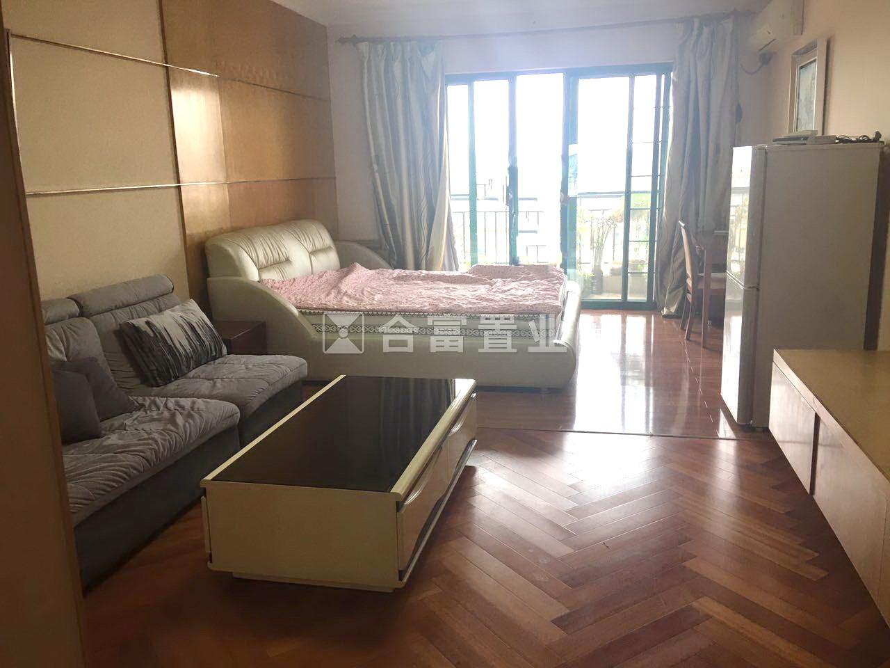 星河湾公寓 低于市场价 小区景观 保养好
