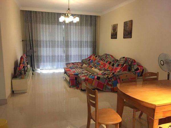 贝沙湾大两房 可改三房 高层 带部分家私   过两年
