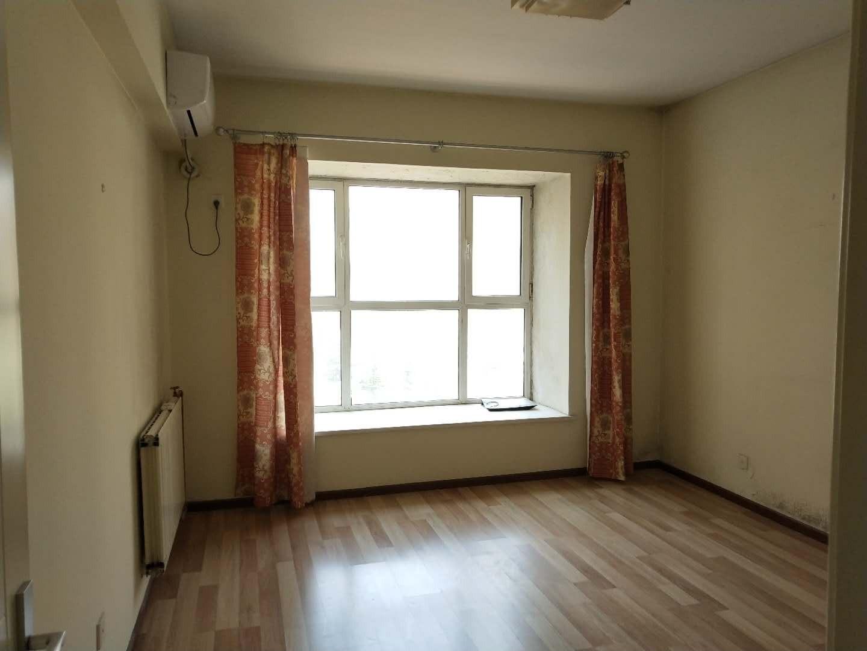 四环旺地金茂府旁金海国际 稀有一居室 户型方正 有钥匙