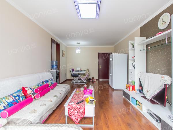 为你而选为你为家 此房满两年,东北户型,中高楼层采光好,婚房装修。
