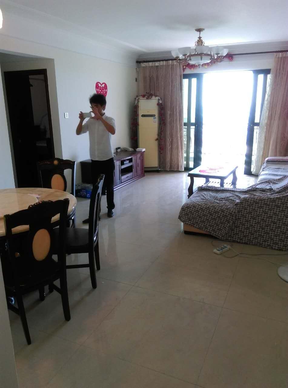 金碧领秀南向望珠江三房,一线江景,带省级怡园学位.