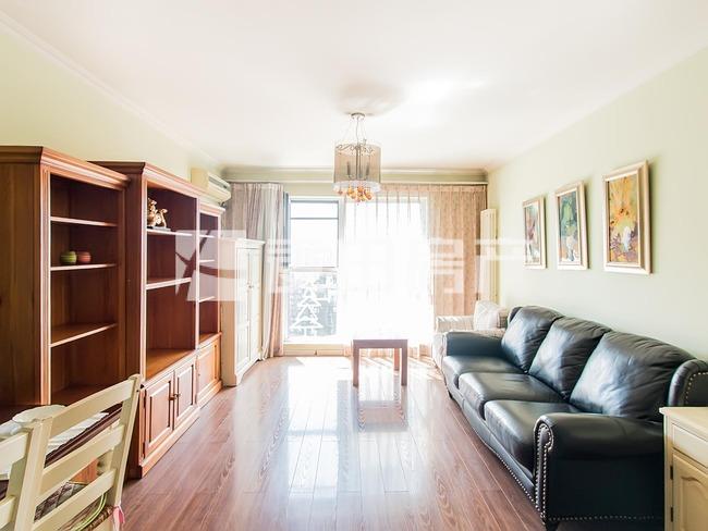望京融科橄榄城,高楼层,全南两居室,给换房周期,带车位