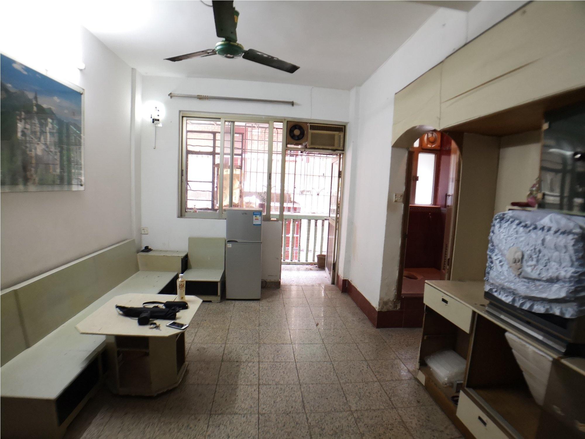 宝玉直  低层二楼 马赛克外墙 可改两房