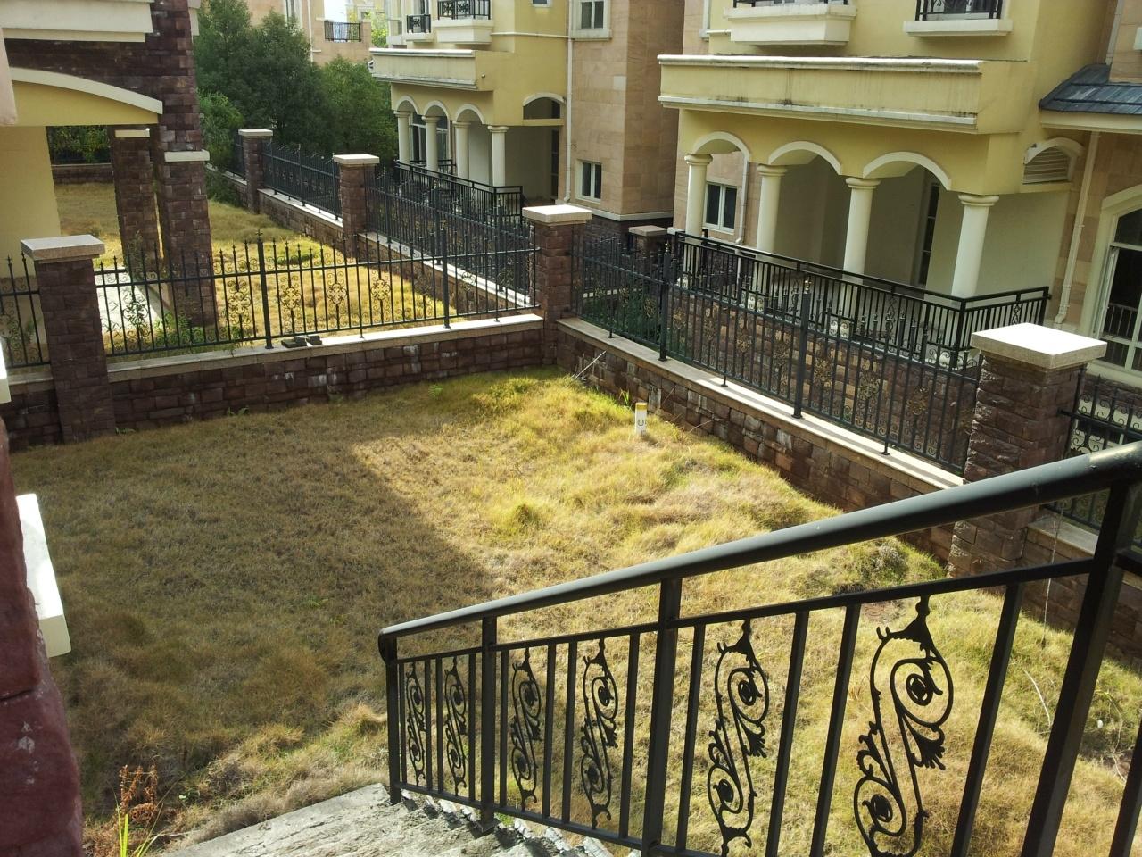 独立别墅    大环境大花园   代表身份象征   买到就赚到