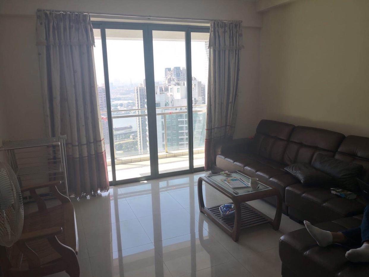 新鲜货逸翠湾业主换房低于市场760万急售住家精装修3室2厅
