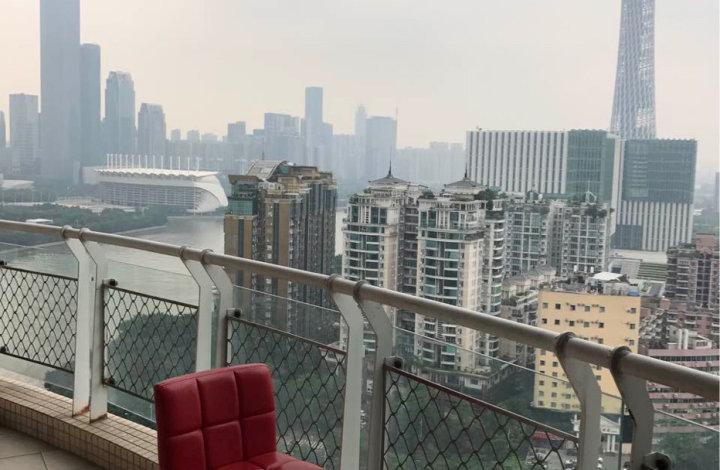 江畔华庭,望江望塔,87单价5.6万,少有放卖,有意私聊