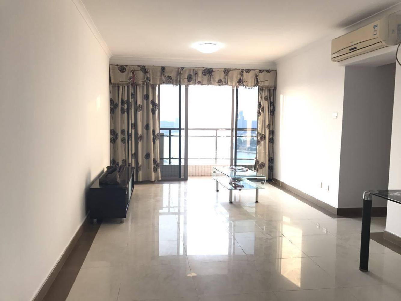 恒荔湾畔 精装修3室 , 位置好,期待您的选购