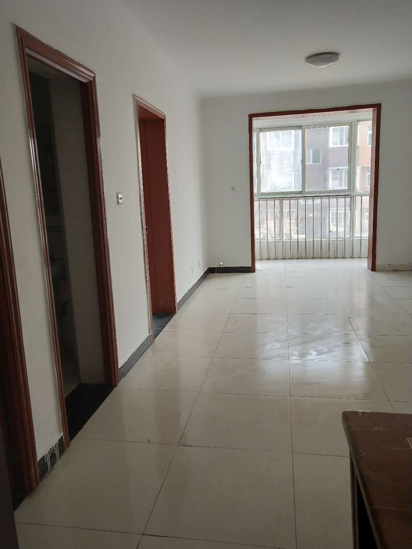 白各庄小区、精装修一居室、交通方便、总价低.正规社区
