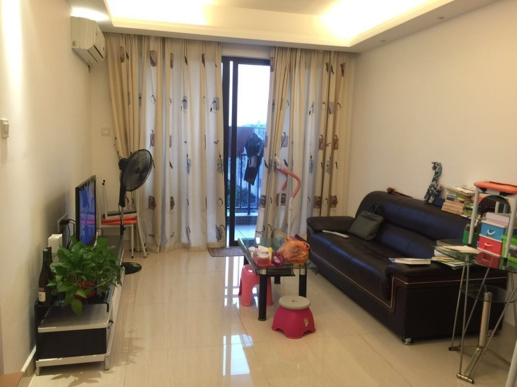 芳村 大型西朗地 铁 口 小区金道花园两房一厅66方150万!