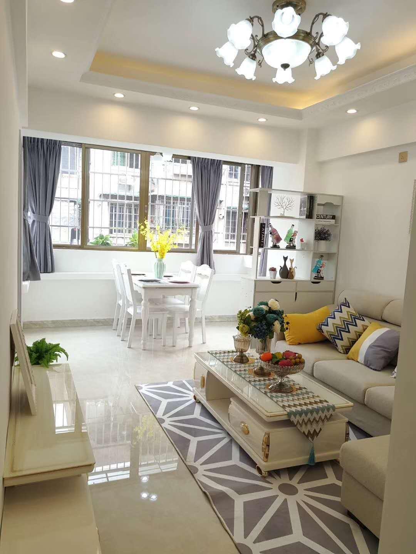 云苑北街精装修3房1厅,户型方正,价钱 。
