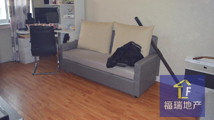 南口 好位置 4层 新装修 70平两居室 低价售