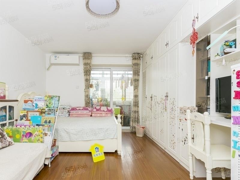 安华桥北三环内、精装修、南北通透、两居室出售,采光好临地铁!