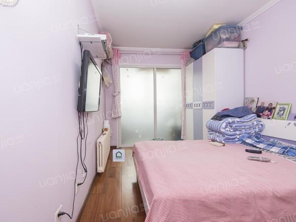 为你而选为你为家 朝东两居室,中间楼层,带电梯,视野好
