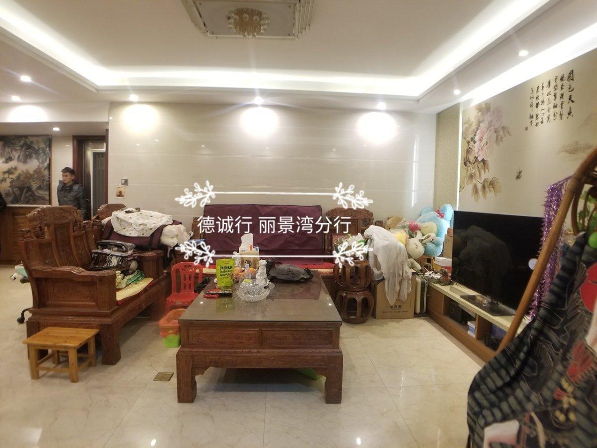 滨江东新盘 户型方正 望江三房 地段决定价值 单价4.7万