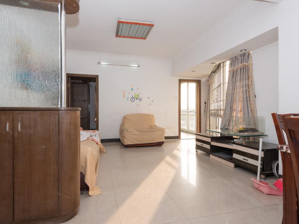 金鹤苑 精致实用三房 小区环境优美 是芳村至靓楼梯小区