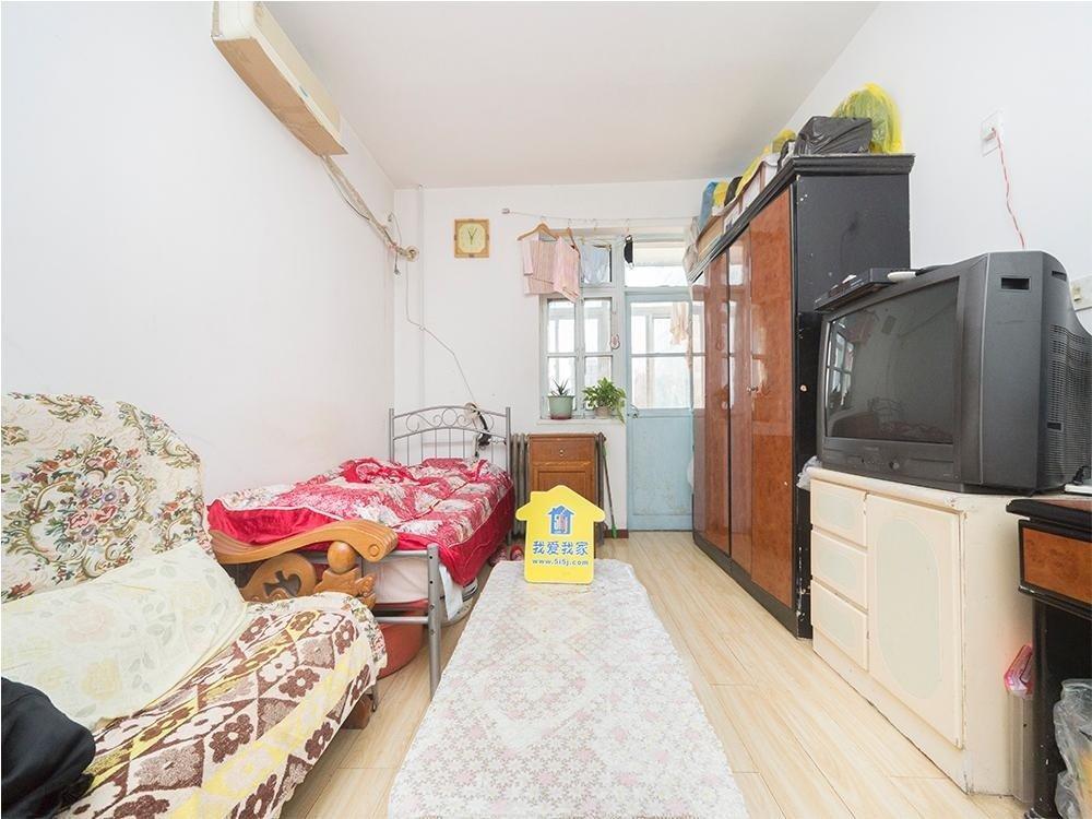 五棵松 永定路西里 三居室 满五公房 少随时可看