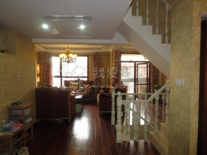 龙城花园龙邸243平米电梯叠拼出售